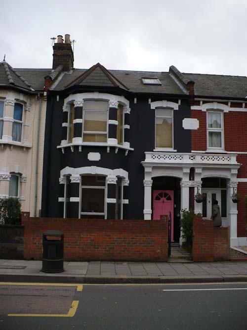 black-house-london-1[1]